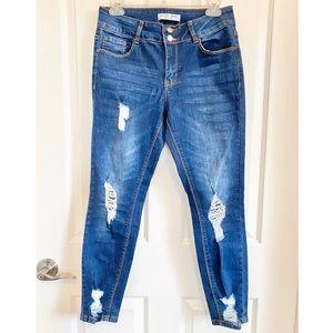Women's distressed skinny blue jeans, Encore sz 7